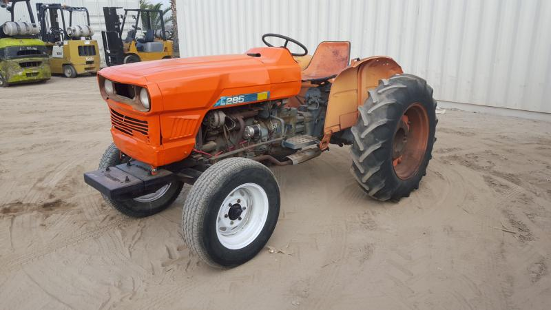 KUBOTA L285 UTILITY TRACTOR, V1500-A diesel, 3-point hitch, pto  s/n