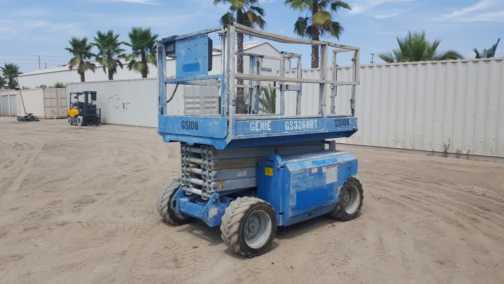 2007 GENIE GS3268RT ROUGH TERRAIN SCISSORLIFT, diesel, 32